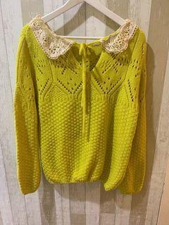 近全新亮黃色可愛風寬鬆毛衣  全館滿399免運費