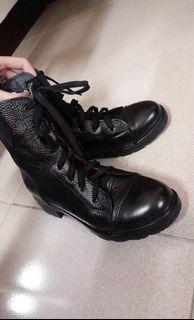 皮革 軍靴
