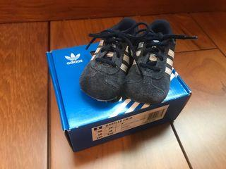 Adidas 學步鞋