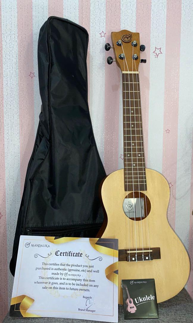Gitar Ukulele Concert MANDALIKA
