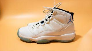 NIKE Air Jordan XI