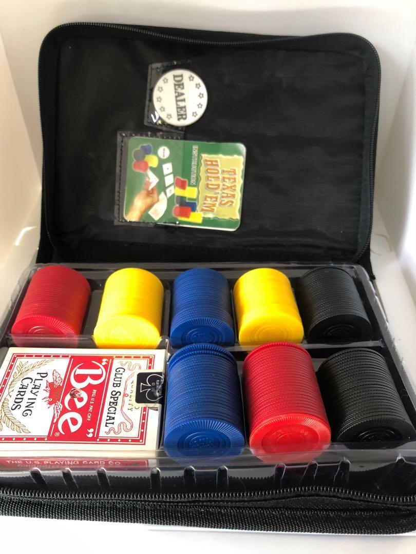 Portable Texas hold 'em poker set in zippered case