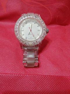 鑽石輕巧透明手錶
