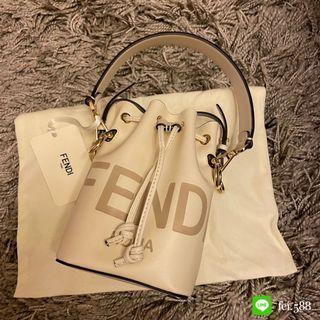 全新Fendi白色水桶包(櫃上還有的款式)