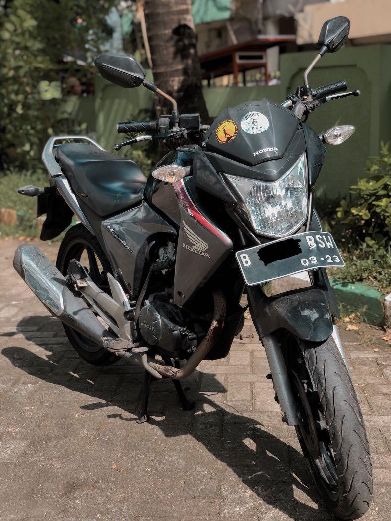 Jual Motor Mega Pro 2011 Monoshock Hitam Second Km Rendah