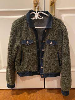 Short sherling jacket with denim detail