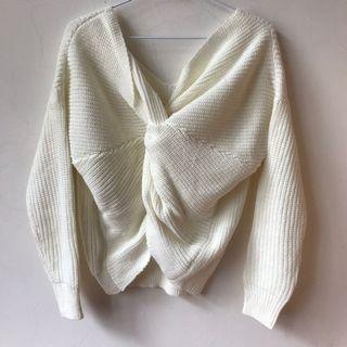白色正反兩穿性感扭結針織上衣/毛衣🤍