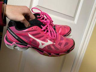 Pink Mizuno Volleyball Shoes size 9 women