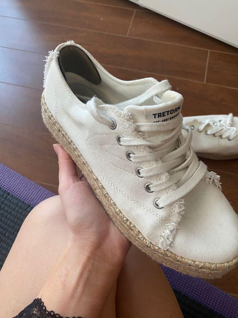 Trenton sneakers size 8