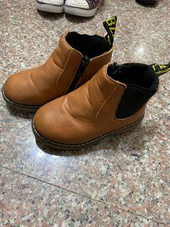 九成新駝色馬靴