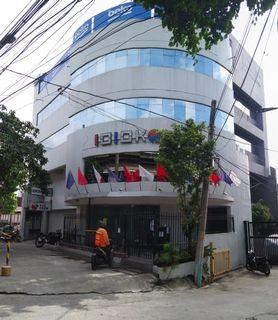 Commercial Building for Sale with income in Makati / Corner Lot / Income Generating