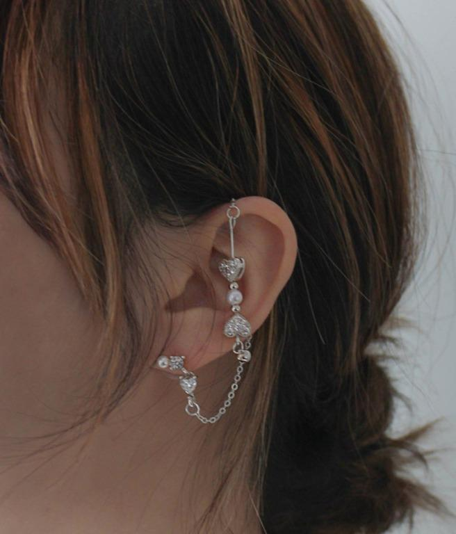 Crawler Hook Ver.2 Heart Pearl Earrings