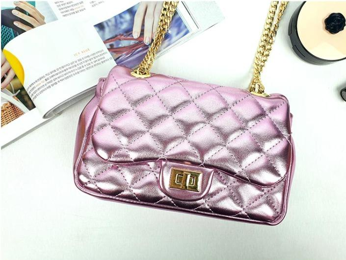 [JSK065] Metal Pink Chain Bag with quilt pattern / Made in Korea. [JSK065] Metal Pink Chain Bag With Quilt Pattern / Made In Korea.