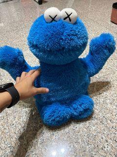 Kaws Uniqulo Cookie Monster 絨毛玩偶
