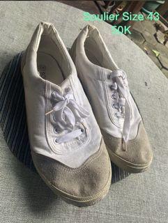 Sepatu soulier Australia