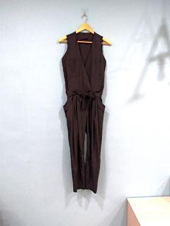 黑色連身長褲