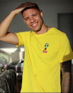 Levis x Super Mario Yoshi T-shirt