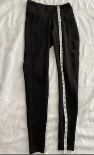 Original New Balance tights with side pockets