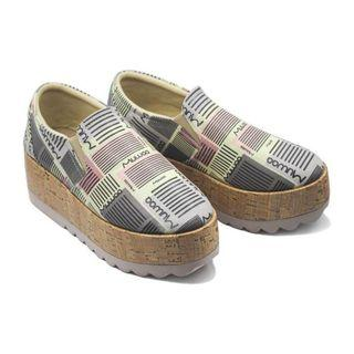 Sepatu muwaa preloved 1 x pakai size 39