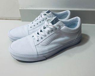 Vans Old Skool True White Size 42 / UK 8, Men's Fashion, Footwear ...