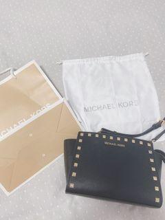 MICHAEL KORS BAG (GOOD CONDITION)