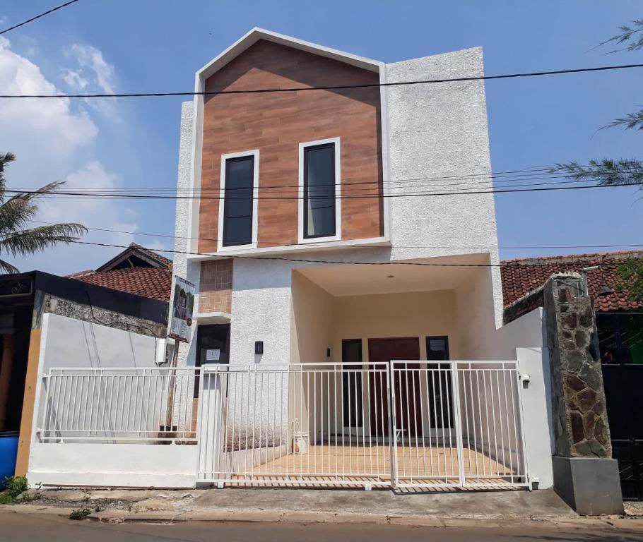 Rumah murah siap huni 2 lantai di cilodong depok