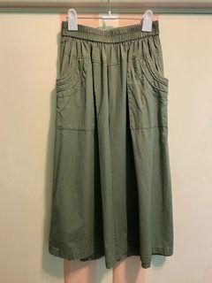 日系軍綠寬褲