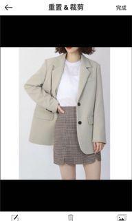 淺綠西裝外套