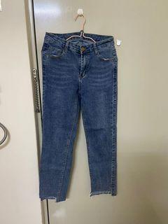 中藍色牛仔直筒褲
