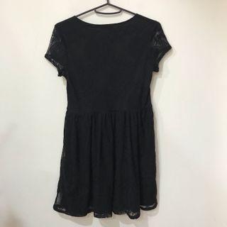 二手 近全新黑短洋 NET透視蕾絲小黑洋裝 可甜可鹽必備小黑洋裝 黑色短洋 黑色短裙 #2021地球日