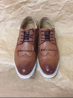 韓國製 設計師手工皮鞋Allegrezza/40號,約8.5-9號/韓版,使用小牛皮,穿不到五次/牛津鞋 樂福鞋 /非red wing Levis martens 馬丁