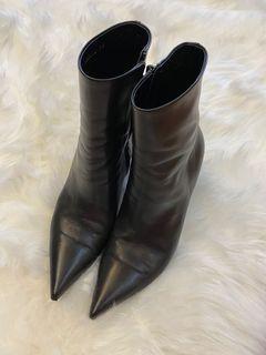 (指定保留)Balenciaga 黑色小羊皮船型跟短靴 39號 + Red Valentino 浪漫粉鏈帶包