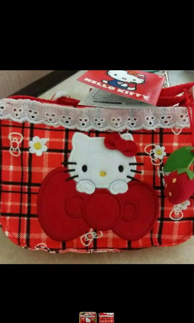 全新日本帶回🎀HELLO KITTY 草莓造型斜背包