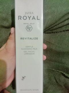 Revitalize Gentle Cleansing Milk Jafra Royal