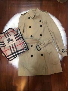 不能穿看著難過 降價 不再議 burberry 經典款風衣 uk4 女人一定要擁有的一件外套
