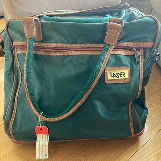 墨綠色旅行手提包 手提行李 實用袋 green and brown travel bag hand carry