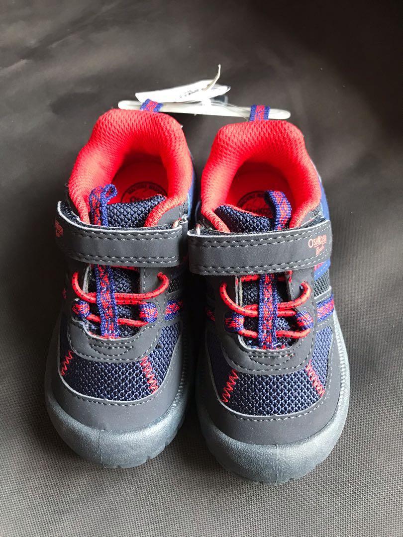 BNWT Carter's Oshkosh toddler shoes (size 8)