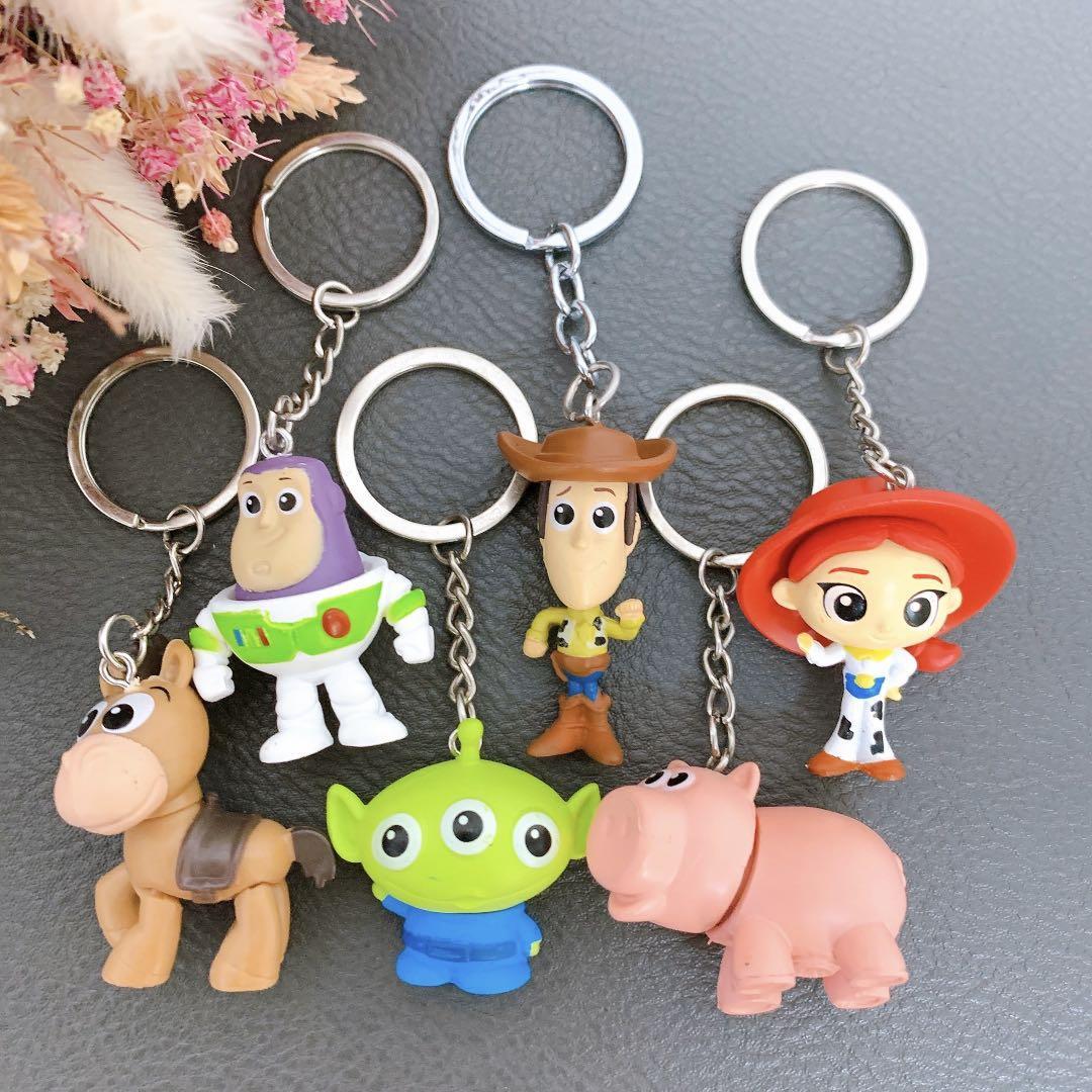 Disney 迪士尼 玩具總動員 巴斯 胡迪 翠絲 三眼怪 火腿 紅心 一組6個 鑰匙圈 吊飾 交換禮物 可愛 現貨