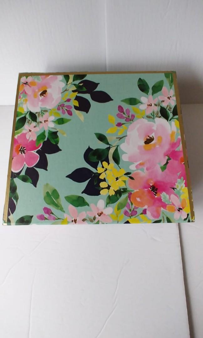 Beautiful Floral Motifs Multifunction Box