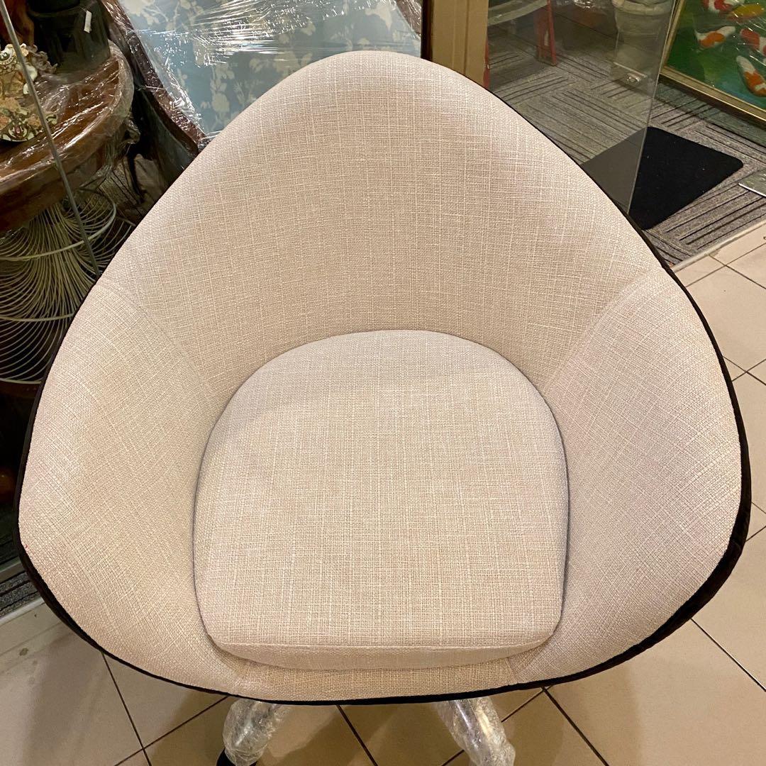 Fully-Reupholstered Retro-Vintage Egg Shell Swivel Chair
