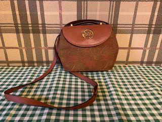 真品古董包Nina ricci 經典花紋小圓包斜背包 掀蓋圓桶包