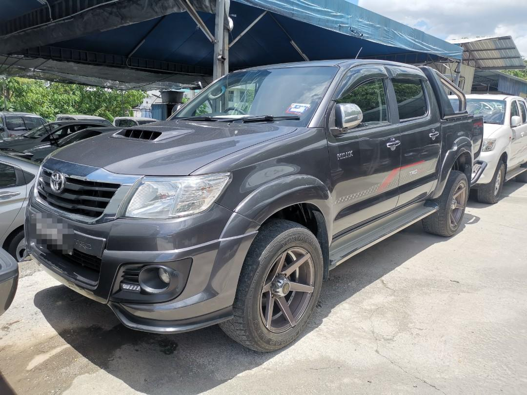 Toyota Hilux 2.5(A) TRD Sport_No Off Road_Leather Seat_1 Owner_L0AN Bank_Deposit 10k