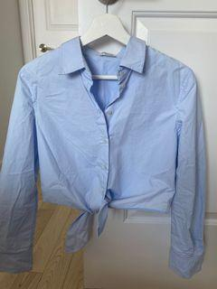 Aritzia Babaton tie front shirt