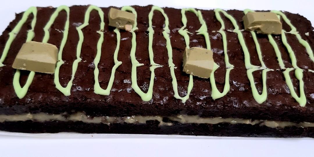 Brownies panggang isi matcha