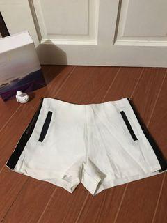 Highwaist Shorts / Sweewe (Paris) / Hw shorts