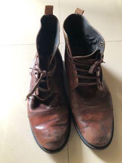 Boots Pria M&S