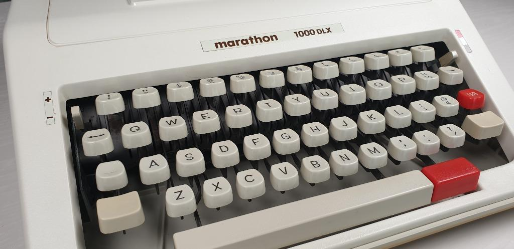 Marathon 1000 DLX Manual Typewriter | Automatic Repeat-Spacer | Extremely Clean Condition | Mint Condition | Very Rare | Made by Dong Ah | Made in Korea | With Convenient Clip-On Case | Ready to be used