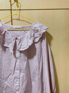 #LoveIsLove PAZZO 淺粉色格紋荷葉V領宮廷袖襯衫 日常 百搭 小清新