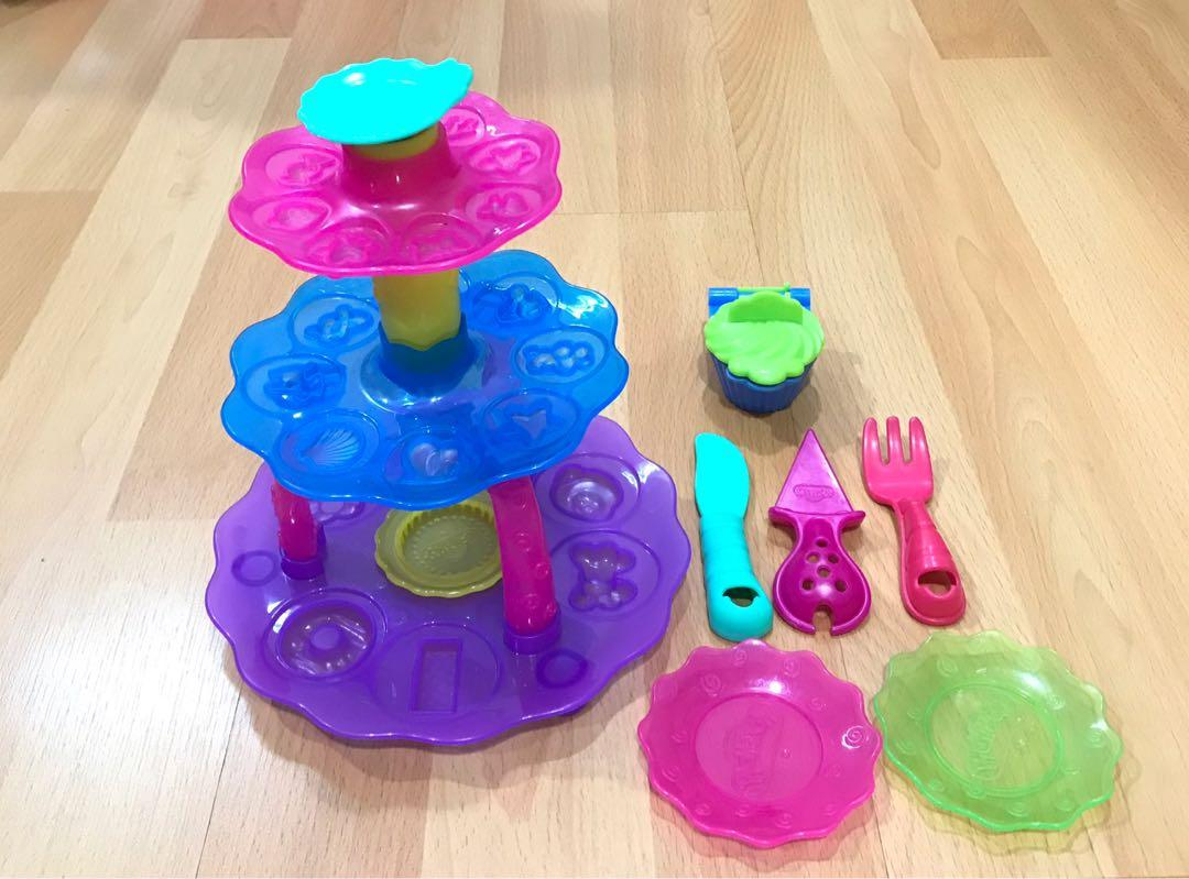 Playdoh Kitchen Creation Cupcake Tower