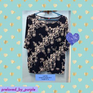 •SM woman plus top or blouse 👚navy blue with print 2XL 3XL